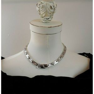 Vtg Signed Monet Silver Plated Choker Necklace
